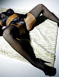Sultru Audrey Looks Seductive In Black