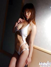 Hot boobs on Asian girl