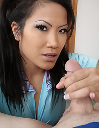 Asian Chick Blows That Dick