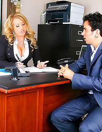 She fucks a client in office