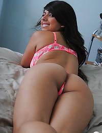 Bronzed Goddess Layla Rose Exposes Tits