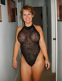 Amateur mature fatties show o...