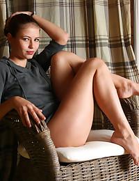 http://www.bravoerotica.com/av-erotica/amy/gray-blouse/t1.jpg
