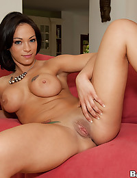 Pretty chick loves big cock