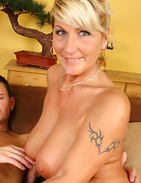 Sexy Cougar Hungry For Cock