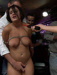 Sucking cock at a bar