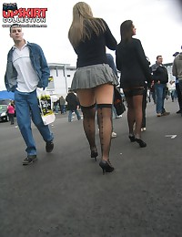 Accidental and voyeur up skirts. Hot upskirt images