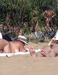 Fem nudists at nude beach