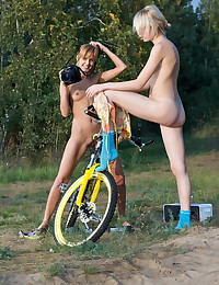 Sasha Blonde - Two teens taking naked pics of each other alfresco