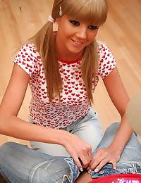 Cum On Eileen - Horny busty blonde wrapping her lips around big schlong