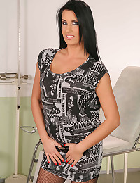 Raven Haired Milf Melissa Ria