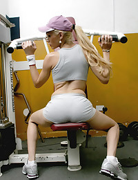 Tight Bodied Tranny Works Out Naked