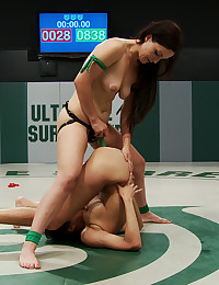 Strapon bangs catfight loser