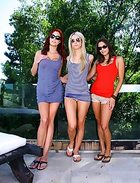 Three Smoking Hotties Play Nice