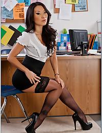 Sexy Asian office striptease