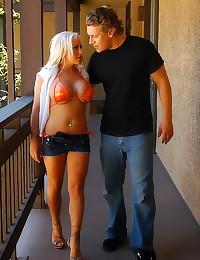Busty blonde bikini whore ham...