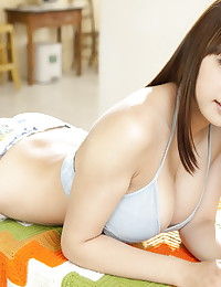 Ai Shinozaki will make your day with this All Gravure photo gallery.