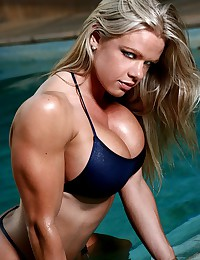 Beautiful muscle girls look a...