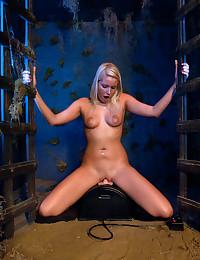 Dildo machines make her cum