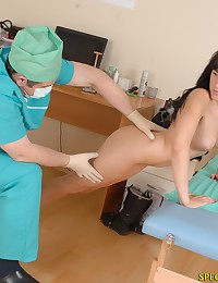 Male gynecologist inspects a tight twat