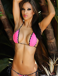 Fabulous vixen in bikini