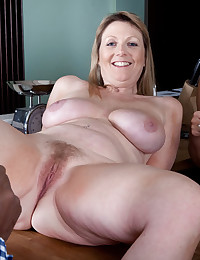 Mature Freckled Blonde Cougar Spreads Legs