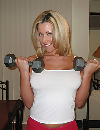 Busty babe works out