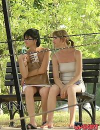 candid sitting upskirt - brunette milf voyeured