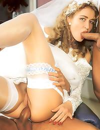 Retro bride in hot threesome