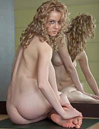 Sasha R will make your day with this Met Art photo gallery.