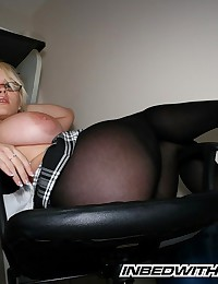 In Bed with Faith - Fantastic blonde with enormous cleavage posing as secretary slut
