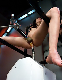 Beautiful Leggy Brunette Loves Fuckmachine!