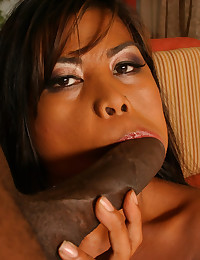 Sultry Ebony Fox Filled With Dick