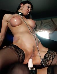 Luscious Ladies Use Big Strapon