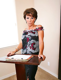 Office milf shows him good ti...