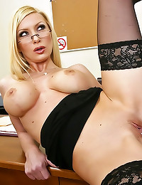Perfect office bimbo hardcore...