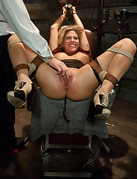 She likes bondage sex