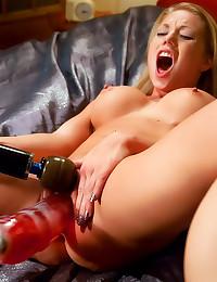 Shawna Lenee amazing dildo fu...