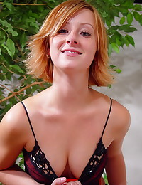 Lindsey Marshal - Drinking wine and getting in the mood to strip for you
