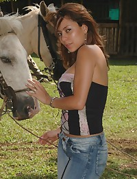 The hot chick goes horse ridi...