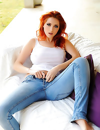 Redhead in jeans is perfect
