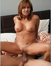 Saucy Milf Tara Smothers Thick Dick