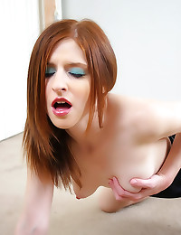 Hot redhead dildo machine fucking