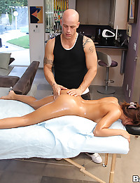 Sucking and fucking after her massage