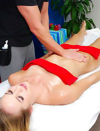 Slim hottie massage fuck