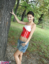 Candy Skye - Nice young hoe stripping outdoors passionately