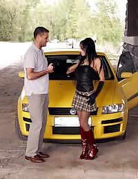 Chick publicly shagged in a car by boyfriend