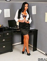 Audrey Bitoni fucking hard in the stock room