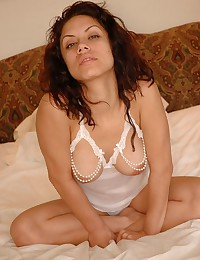 Very hot young babe relaxes o...