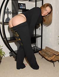 Megan QT - Sexy animal striped bra looks good holding her perky tits